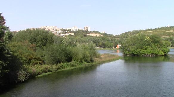 Tässä kuvassa taustalla näkyy Talantin kunta