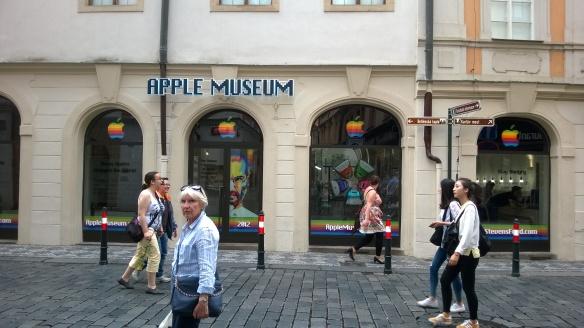 Apple on täällä jo siirretty museotavaraksi