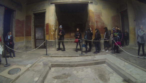 25_pompeiji_vlcsnap-2016-10-27-18h15m01s020