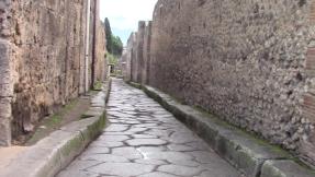 27_pompeii_vlcsnap-2016-10-25-13h47m09s451-13