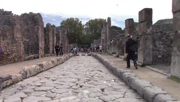 27_pompeii_vlcsnap-2016-10-25-13h47m09s451-16